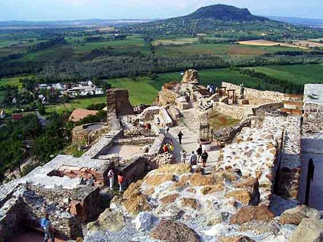 Średniowieczne ruiny nad Balatonem