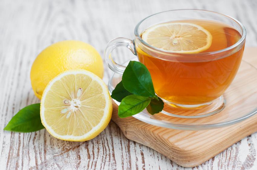 Herbata z sokiem z cytryny stanowi źródło witaminy C