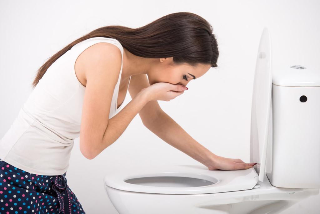 Miesiączka może wywoływać nudności i wymioty, które utrudniają nam wykonywanie codziennych obowiązków