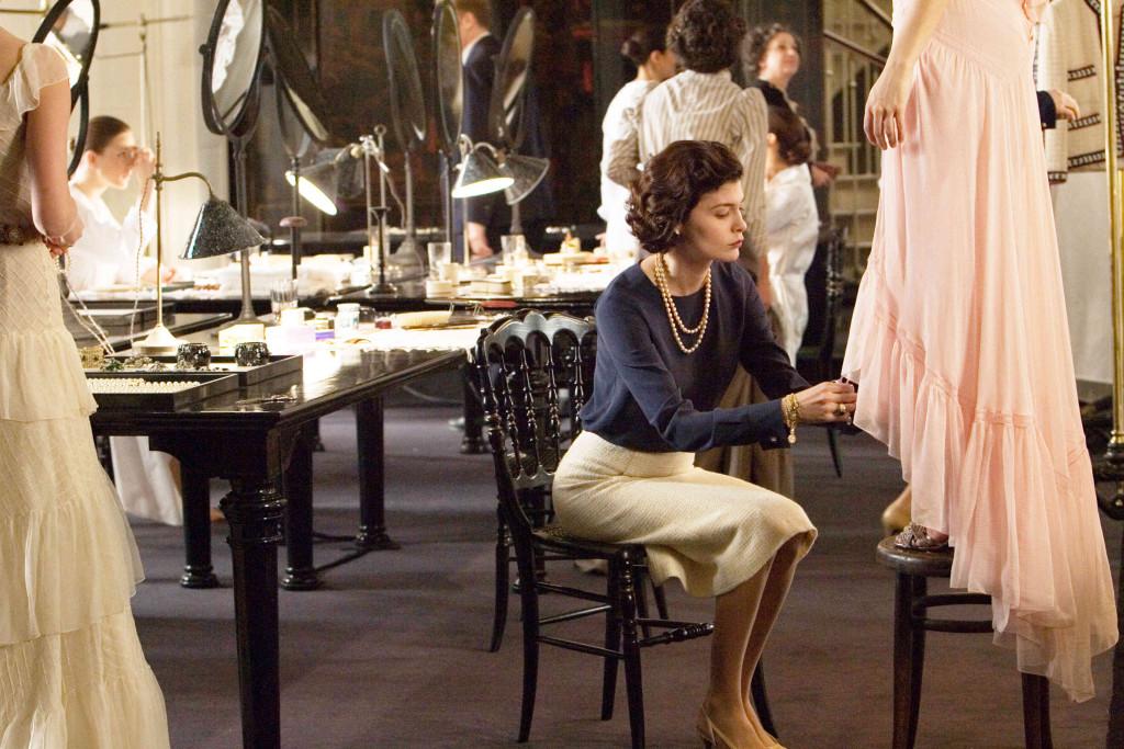 Kadr z filmu poświęconego życiu i pracy Coco Chanel