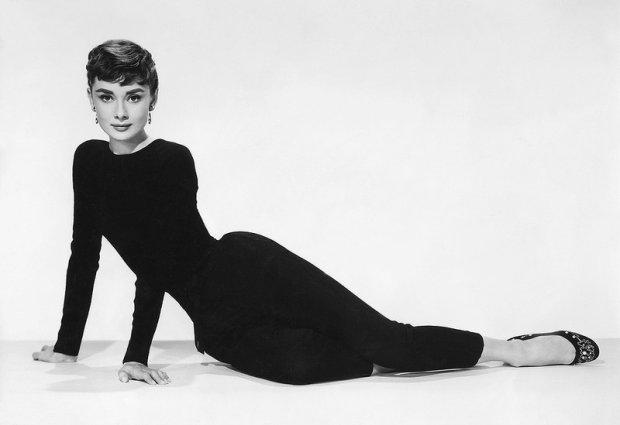 Audrey Hepburn preferowała minimalizm. Często zakładała leginsy i baleriny.