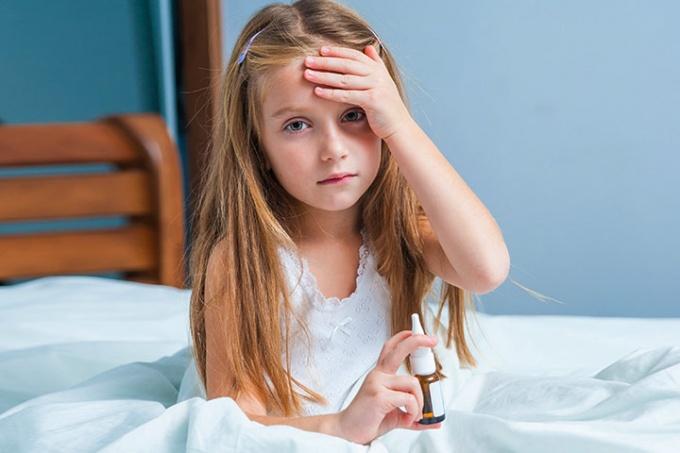 Krople do nosa pomogą udrożnić dziecku nos