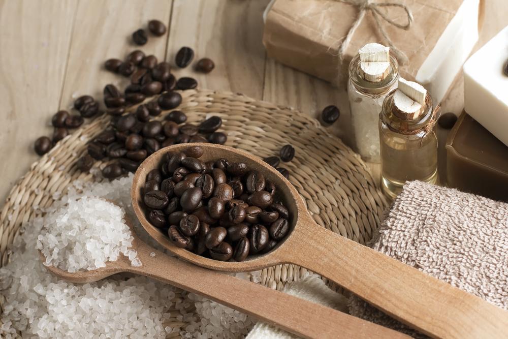 Peeling kawowo-cynamonowy sprawdzi się w walce z cellulitem