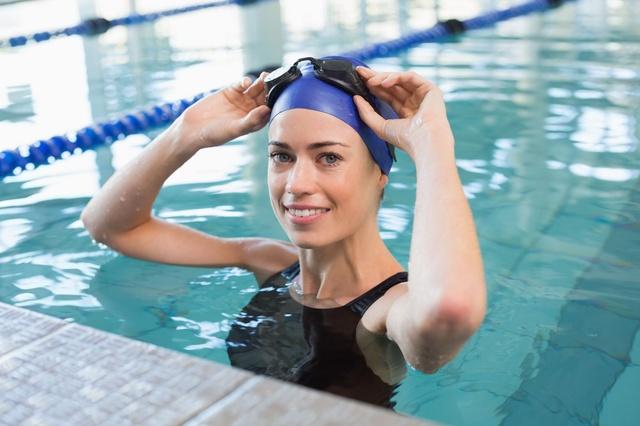 Pływanie niweluje stres zaostrzający objawy bólu brzucha