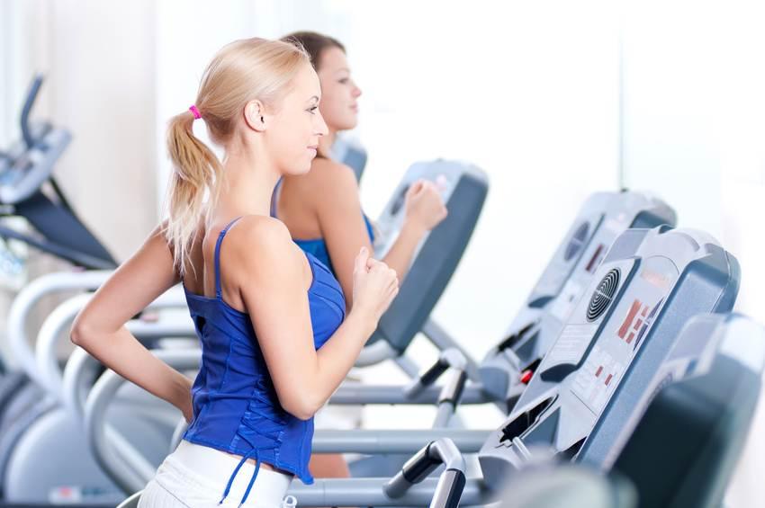 Trening cardio sprzyja kształtowaniu się płaskiego brzucha
