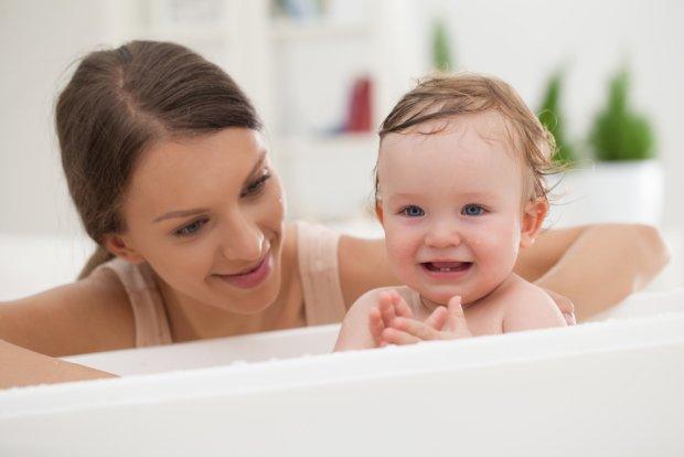 Kąpiel w krochmalu działa na skórę dziecka łagodząco