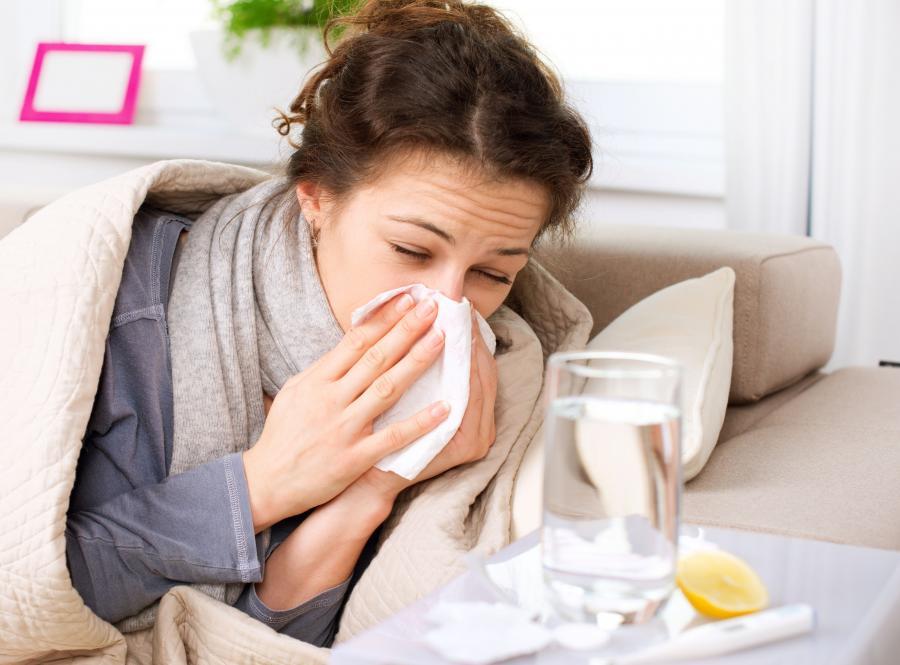 Objawem przeziębienia może być katar