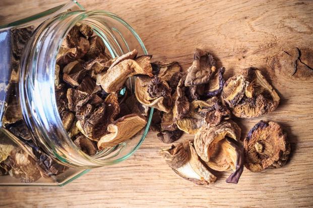 Do wykonania pasztetu potrzebne będą grzyby suszone