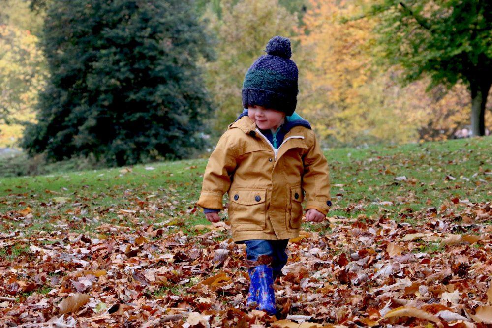 Warto chodzić z dzieckiem na częste spacery
