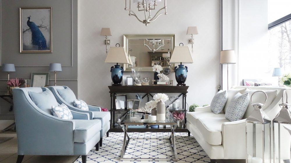 Biele i błękity we wnętrzu w stylu Hampton