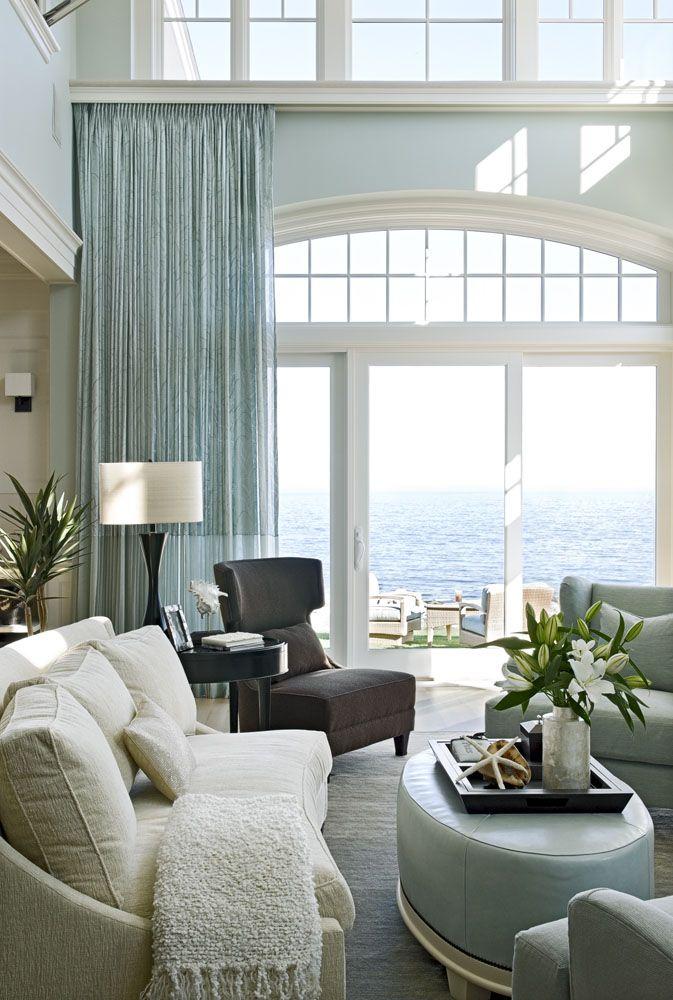 Długie, lekkie zasłony okienne