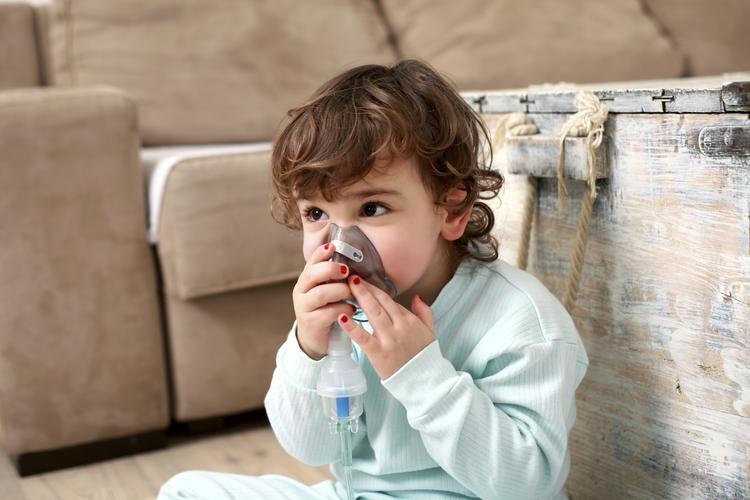 Przyczyną długo utrzymującego się kaszlu może być alergia