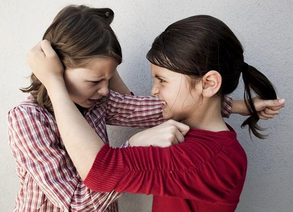 Agresywne dziecko może bić rówieśników