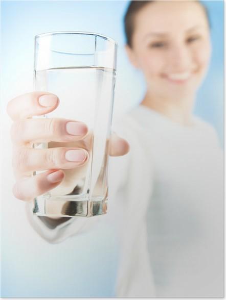 Dzień zaczynamy od wypicia szklanki wody
