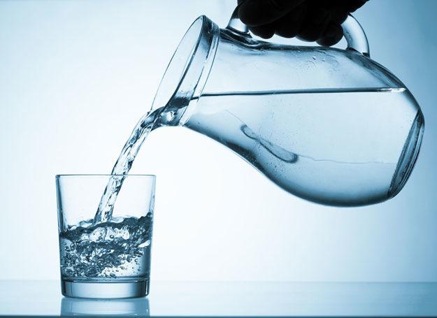 W trakcie ciąży warto pić dużo wody