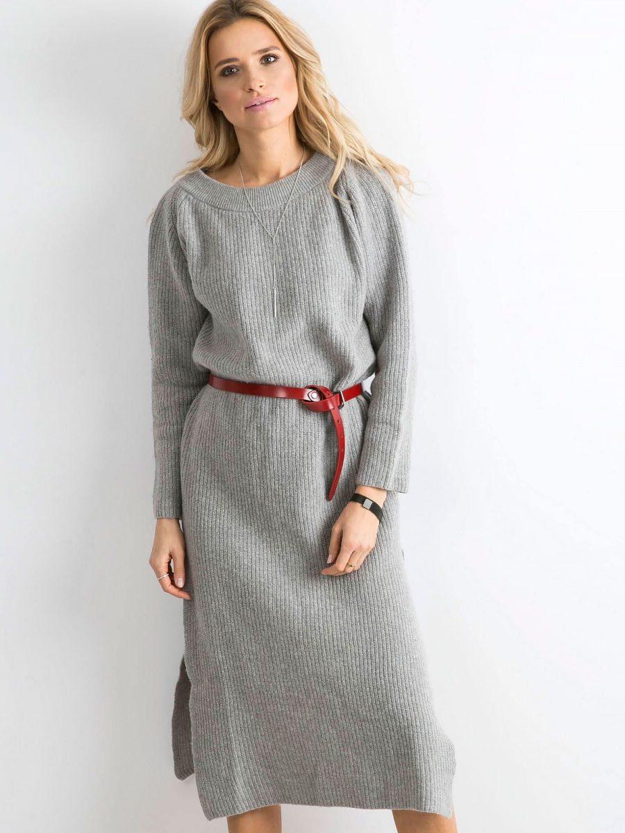 Dzianinowa sukienka z paskiem